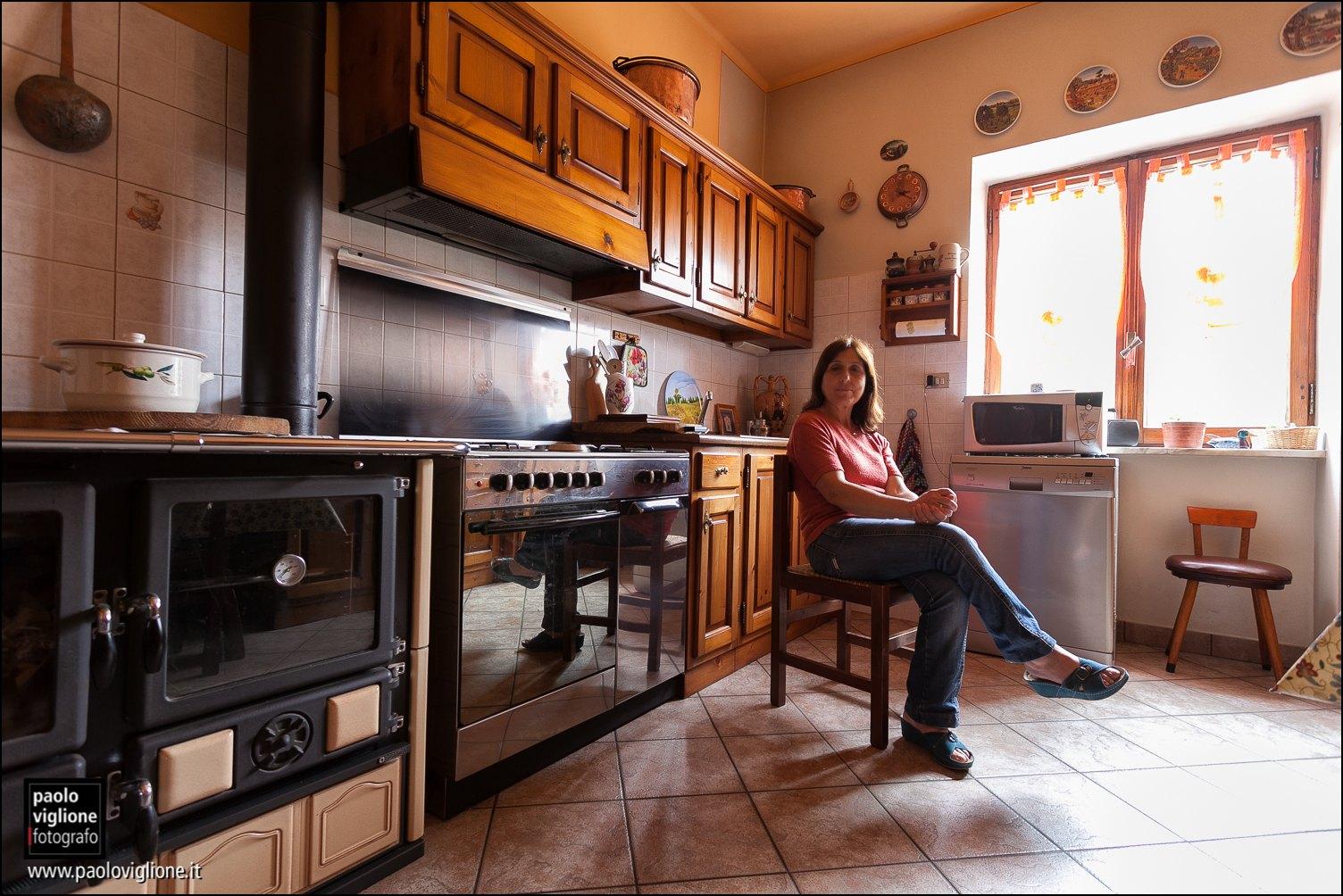Concetta Laurito, Prazzo, lei e la sua famiglia vivono tutto l'anno in frazione Pellegrino a 1600 metri d'altitudine, se ne può leggere la storia su L'anello forte, di Nuto Revelli